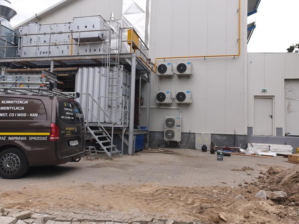 przykładowo zamontowana klimatyzacja przemysłowa